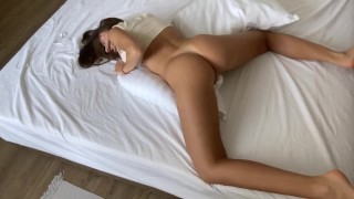 BIG BOOTY HUMPING PILLOW MAKES A LOUD ORGASM - DELUXEGIRL